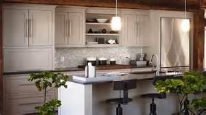 kitchen backsplash ideas with white cabinets and