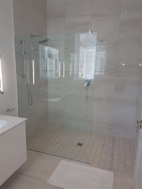 Bathroom Sliding Doors South Africa by Pics Of Bathroom With Sliding Shower Doors With Black Trim