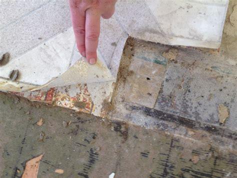 How to Remove Vinyl and Linoleum Flooring   YLiving Blog