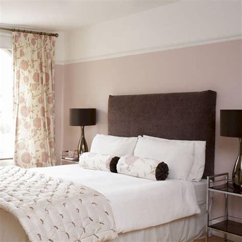 farrow ball bedroom wall painted in calamine farrow ball pink bedroom