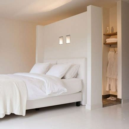 Schrank Mit Vorhang by 10x Begehbarer Kleiderschrank Hinter Dem Bett Wohnideen