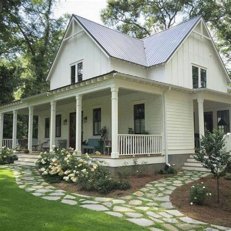 Farmhouse Plans With Front Porch gorgeous farmhouse front porch ideas 12 gorgeous