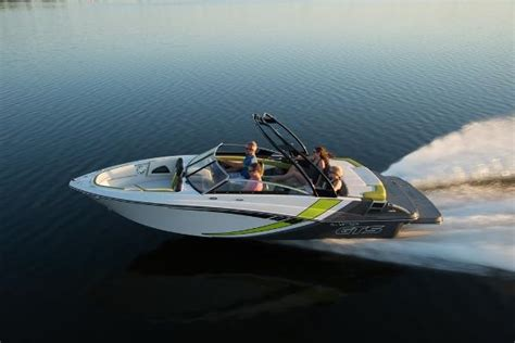 glastron boats new new bowrider glastron boats for sale boats