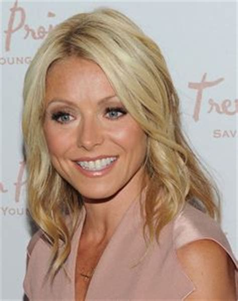 does kelly ripa use highlights or dye her hair 2015 kelly ripa hair color for highlights mere wedding