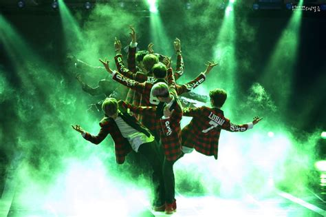 567615 tree of kife a concert netizens discuss boy group choreographies that give them