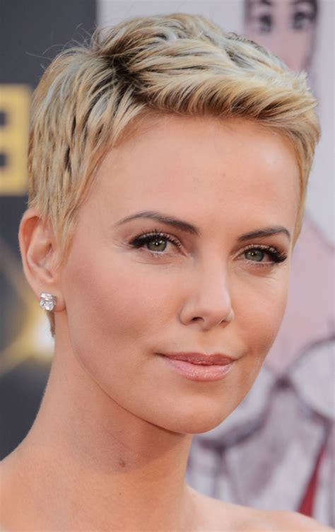 thick short hairstyles women over 50 very short hairstyles for women with thick hair short