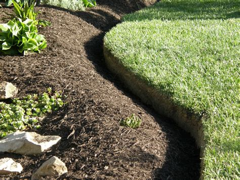 mulch beds t g landscaping lawn care full service 860 662 1895
