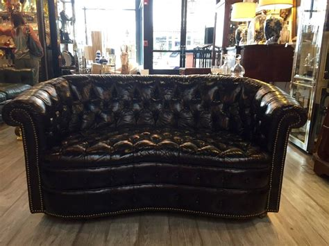 Curved Chesterfield Sofa Tobacco Brown Curved Tufted Leather Chesterfield Sofa Loveseat At 1stdibs