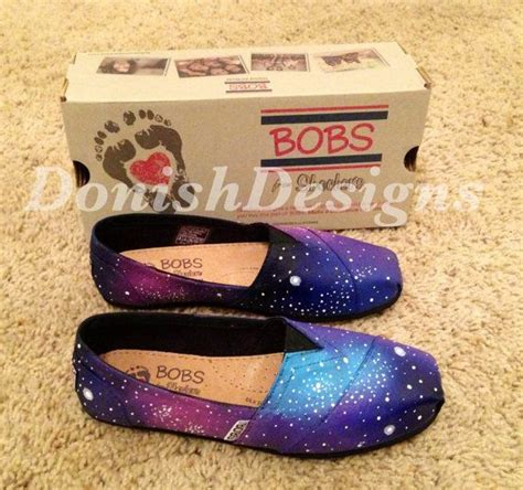 bobs or toms more comfortable best 25 galaxy toms ideas on pinterest toms shoes