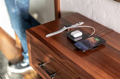 mophie multi device wireless charging pads   close  airpower