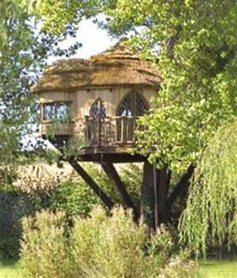 tree house designer 5 fly treehouse designs the tiny life