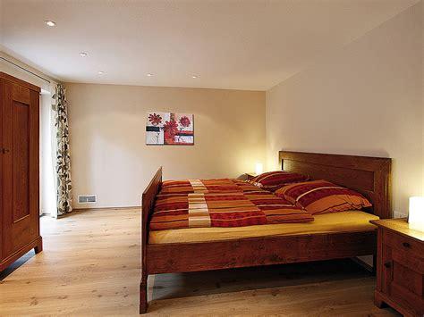 schlafzimmer doppelbett ferienwohnung droste schmallenberg sauerland familie