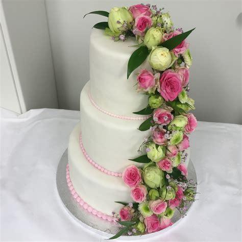 Hochzeitstorte Blumen by Hochzeitstorte Tortenspitze