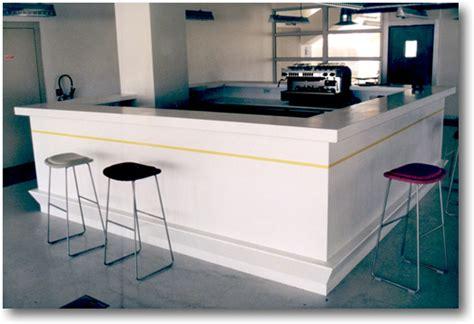 Corian Comptoir by Corian Et Agencement Comptoir Banque D Accueil Bar