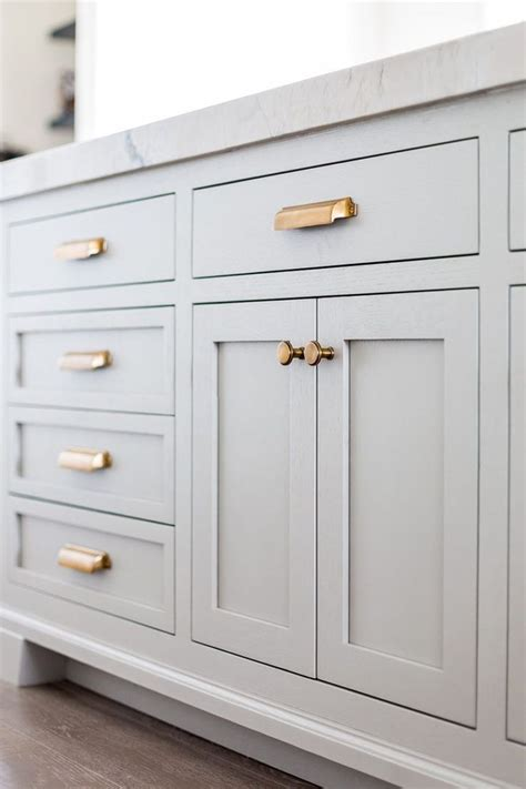 Kitchen Cabinets Drawer Pulls by Best 25 Kitchen Cabinet Hardware Ideas On Pinterest