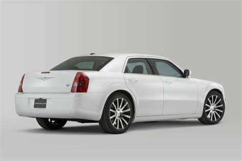 Naias 2010 8 Coolest Cars Of The Auto Show by Naias Preview 2010 Chrysler 300 S6 S8 Autoevolution