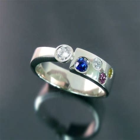 custom made modern family ring with and