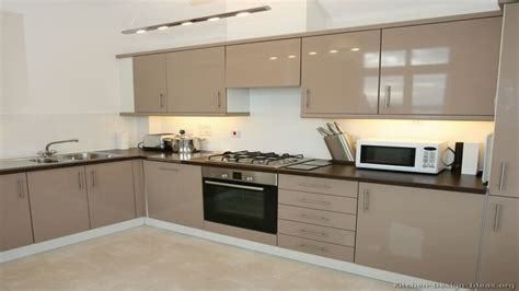 small size kitchen design beige kitchen cabinets modern small kitchen design ideas