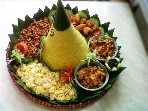 cara membuat nasi kuning untuk ulang tahun paket harga nasi tumpeng kuning atau putih murah di bali