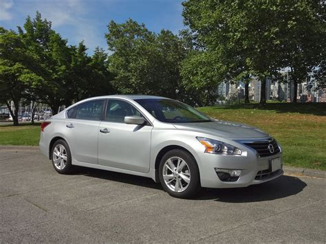 Nissan Altima 2014 Reviews by 2014 Nissan Altima 2 5 Sv Road Test Review Carcostcanada