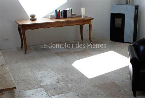 Comptoir Des Pierres by Le Comptoir Des Pierres Voil Donc Larrive De