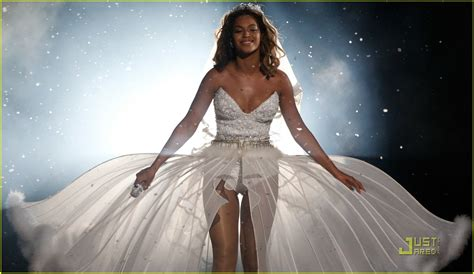 Beyonce Wedding Gown by Beyonce Wedding Gowns Images