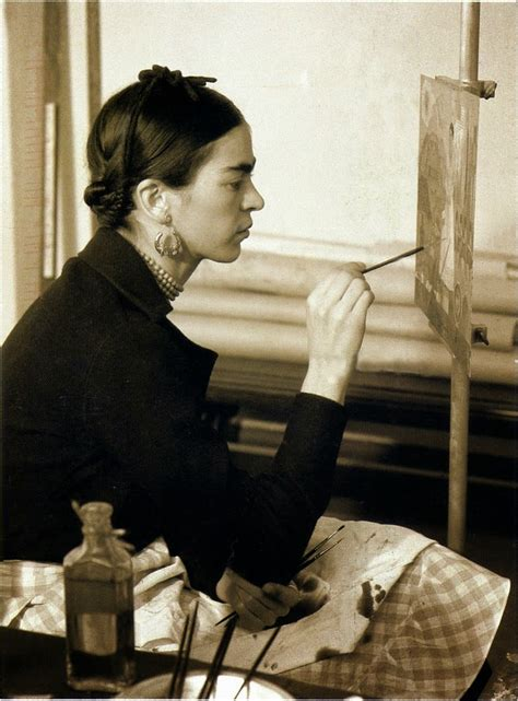 frida the 40 fascinating black and white portraits of frida kahlo from between the 1930s and