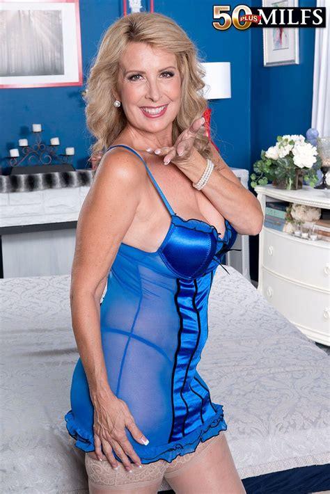 Laura Layne Us Milf | laura layne lingerie milf s pinterest laura layne