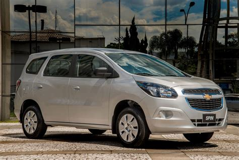 chevrolet spin    speed  features
