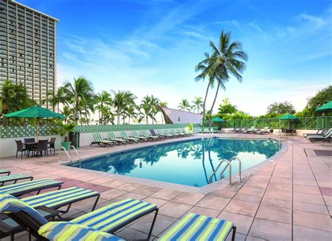 Waikiki Apartment Deals Waikiki Marina Resort At The Ilikai 2017 Room Prices