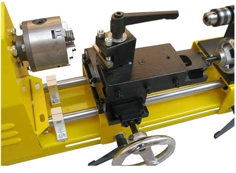 Infinitely Variable Speed Woodworking Lathe With Knife