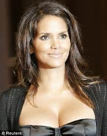 halle berry shows off her new look with full head of hair