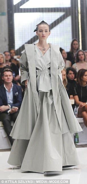 Be Bob Cut Mid Heels Gold the runway at sydney fashion week daily mail