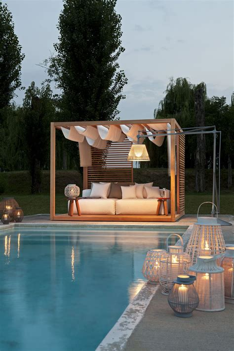 Outdoor Cabana Bed by Best 25 Outdoor Cabana Ideas On Diy Outdoor Furniture Diy Tent And Woodworking