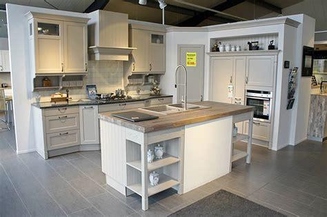 Farbige Arbeitsplatten Küche # Goetics.com > Inspiration