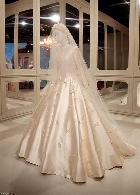 Kerr Dress miranda kerr s wedding gown on display at exhibition