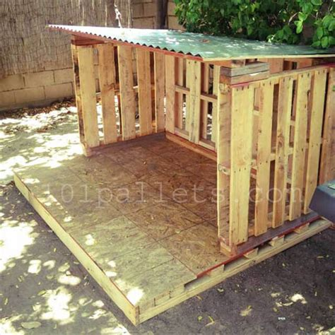 Little Playhouse From Pallets 101 Pallets
