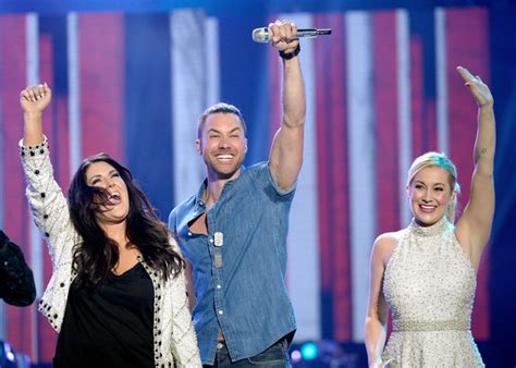 Kellie Pickler Shows Investments On Idol by Kellie Pickler Photos Fox S American Idol Finale For