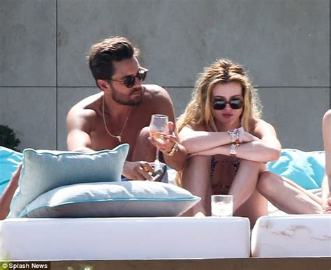 masturbation before bed bella thorne feels humiliated and used by scott disick