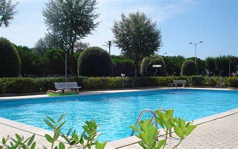 appartamenti caorle con piscina frontespiaggia con piscina porto santa margherita
