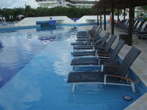 pool seats picture of bluebay grand esmeralda playa del