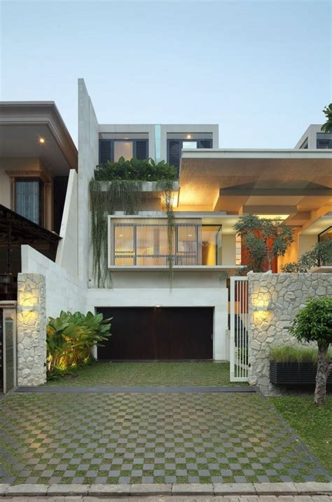 design house indonesia imposing modern residence in jakarta static house