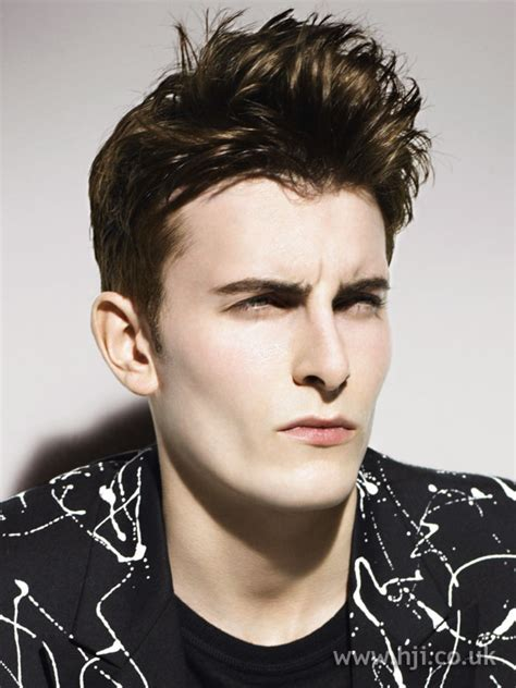 guy hairstyles quiff mens hairstyles wavy quiff popular haircuts