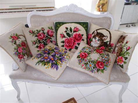 cuscini ricamati a punto croce lotto di 7 cuscini ricamati a punto croce a torino