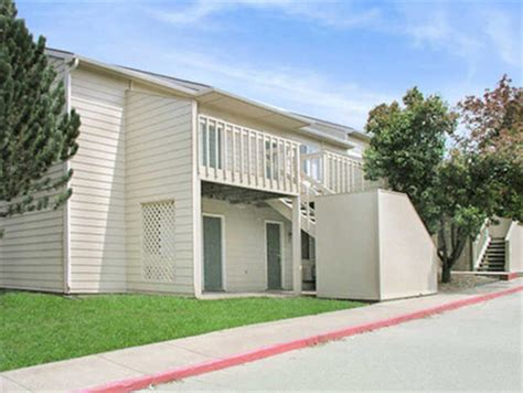 one bedroom apartments in lawrence ks graystone apartments rentals lawrence ks apartments com