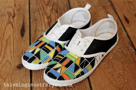 diy painted shoes refashion it painted shoes diy 1 this is not for you
