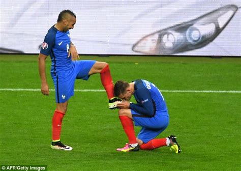 2016 golden boot race trio griezmann giroud and payet lead daily mail