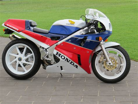 cool for sale really cool 1989 honda rc30 available in australia rare
