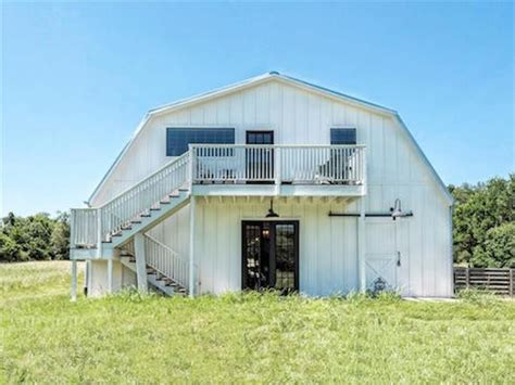 fixer uppers for sale why is the hgtv fixer upper barndominium for sale
