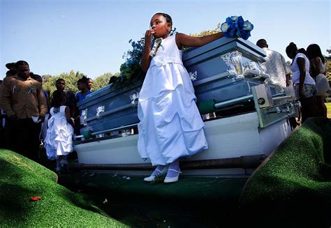 Related pictures aaliyah funeral pictures car pictures